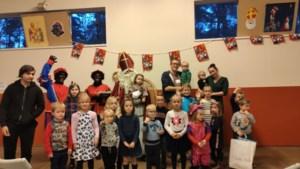 Sinterklaas voor de 61ste keer op bezoek in wijk Tenhout